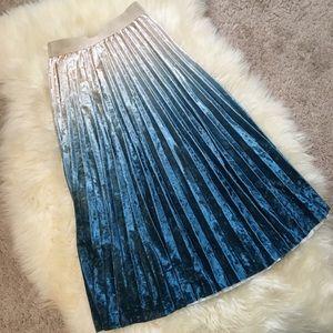 🆕Velvet Mermaid ombré pleat midi skirt white blue